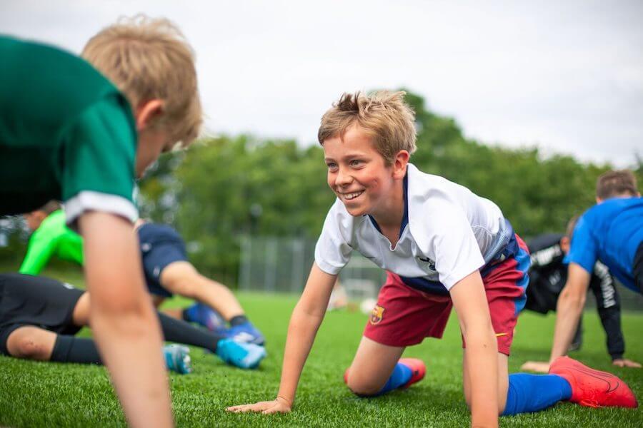 Har du lyst til at deltage i en uge fyldt med sjov, spændende aktiviteter og udfordrende idrætsgrene, er SportsCamp lige noget for dig. Vores lejr finder hvert år sted i sommerferien, hvor vi sammen har en hel uge med fuld fart på.